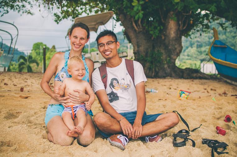 13b-Malezja-wyspa Pangkor-z dzieckiem