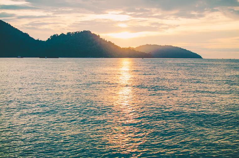 2-Malezja-wyspa Pangkor-z dzieckiem