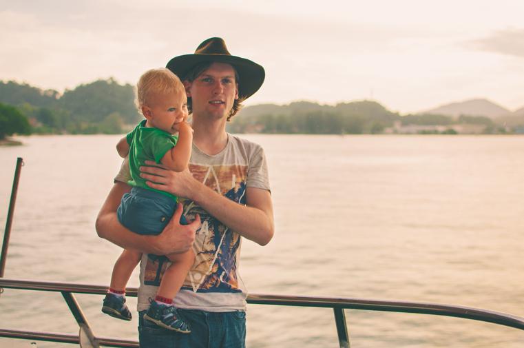 3h-Malezja-wyspa Pangkor-z dzieckiem
