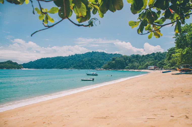 8b-Malezja-wyspa Pangkor-z dzieckiem