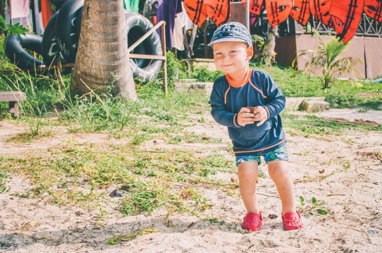 04a. Wyspy Parhentian-Besar-Malezja z dzieckiem