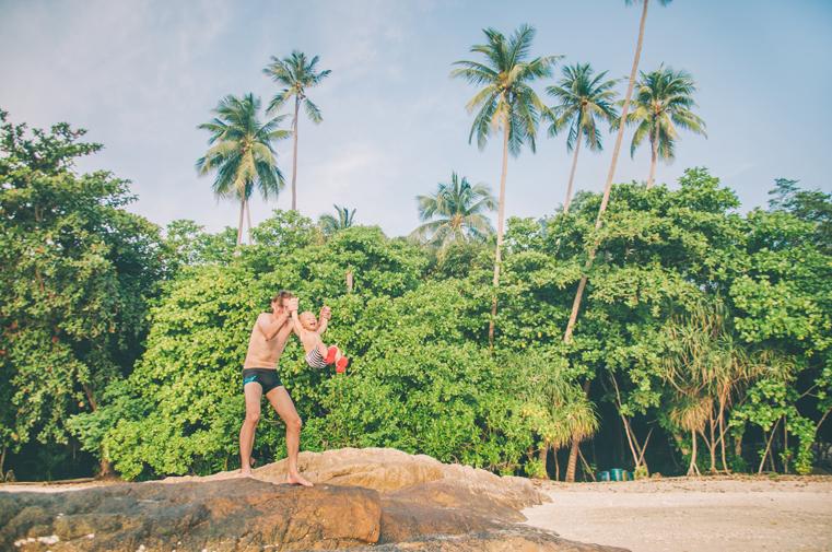14. Wyspy Parhentian-Kecil-Malezja z dzieckiem