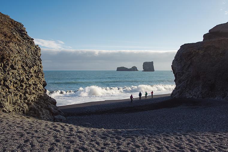 05.Czarne plaze Islandii - Reynisdrangar - Dyrholaey - podroz z dzieckiem