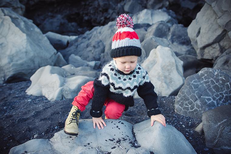 08.Czarne plaze Islandii - Reynisdrangar - Dyrholaey - podroz z dzieckiem
