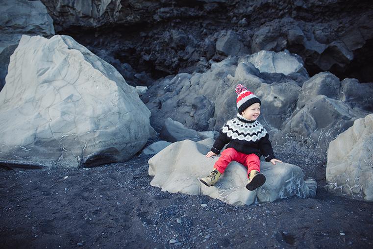 09.Czarne plaze Islandii - Reynisdrangar - Dyrholaey - podroz z dzieckiem