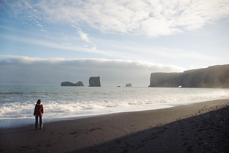 12.Czarne plaze Islandii - Reynisdrangar - Dyrholaey - podroz z dzieckiem
