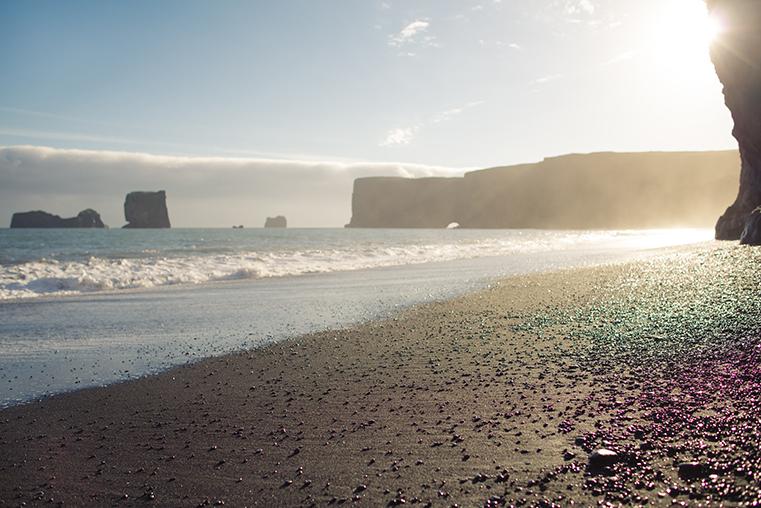 15a.Czarne plaze Islandii - Reynisdrangar - Dyrholaey - podroz z dzieckiem