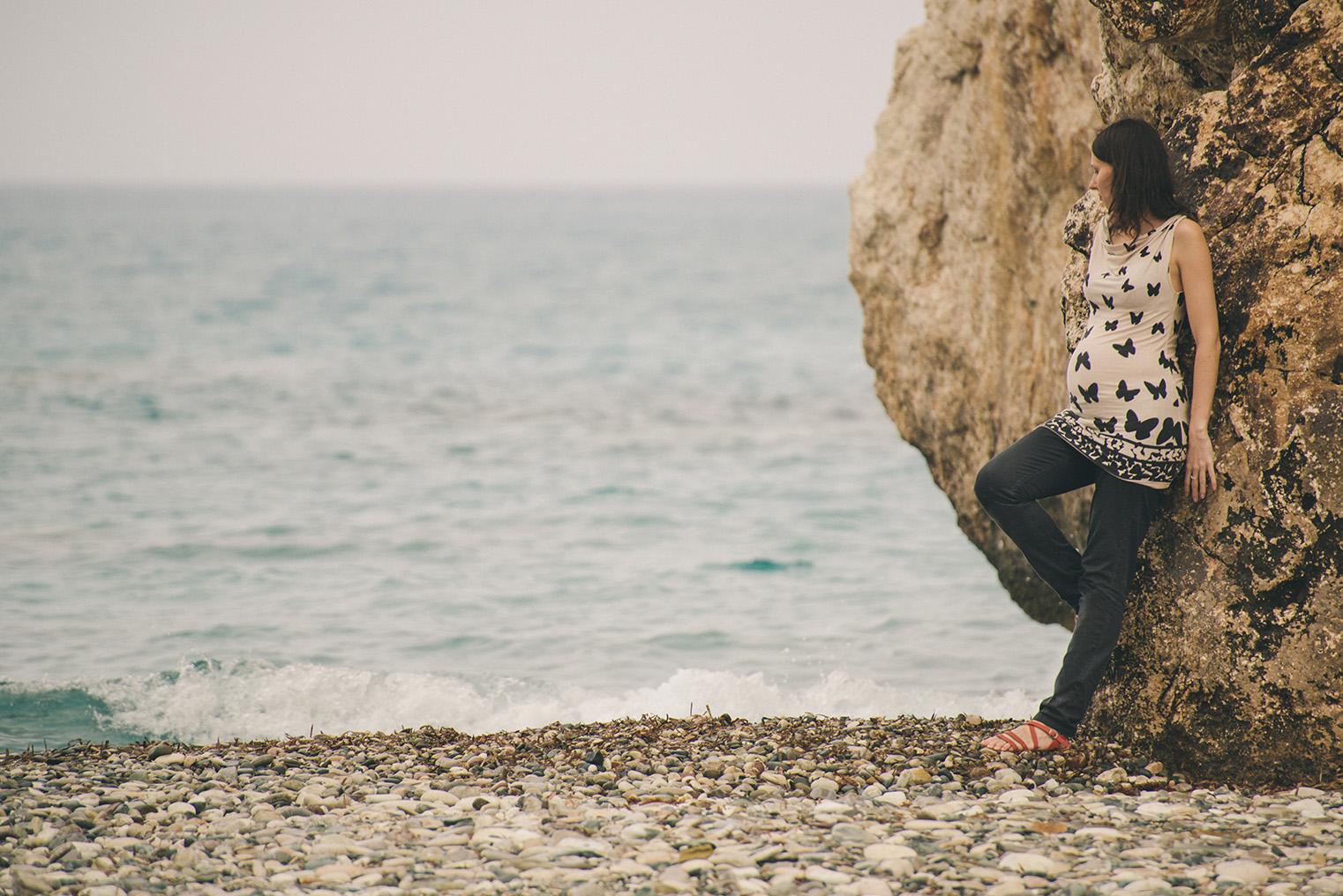 12a.Skala Afrodyty - kamienista plaza - Cypr z dzieckiem.
